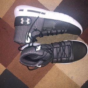 Underarmour basketball shoes Bundle x2